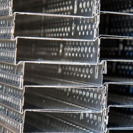 Alumínium lábazati indító profil